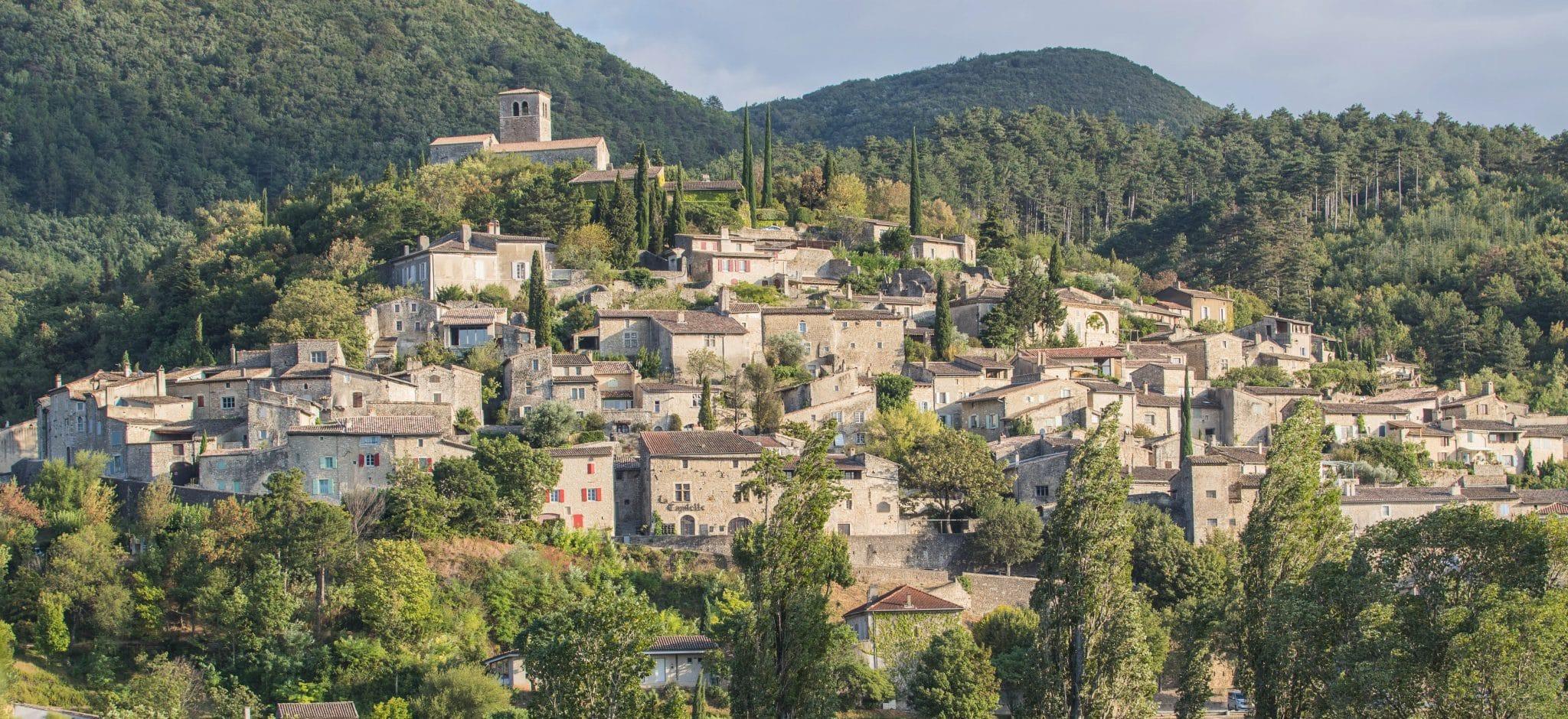 site de rencontre village de france)
