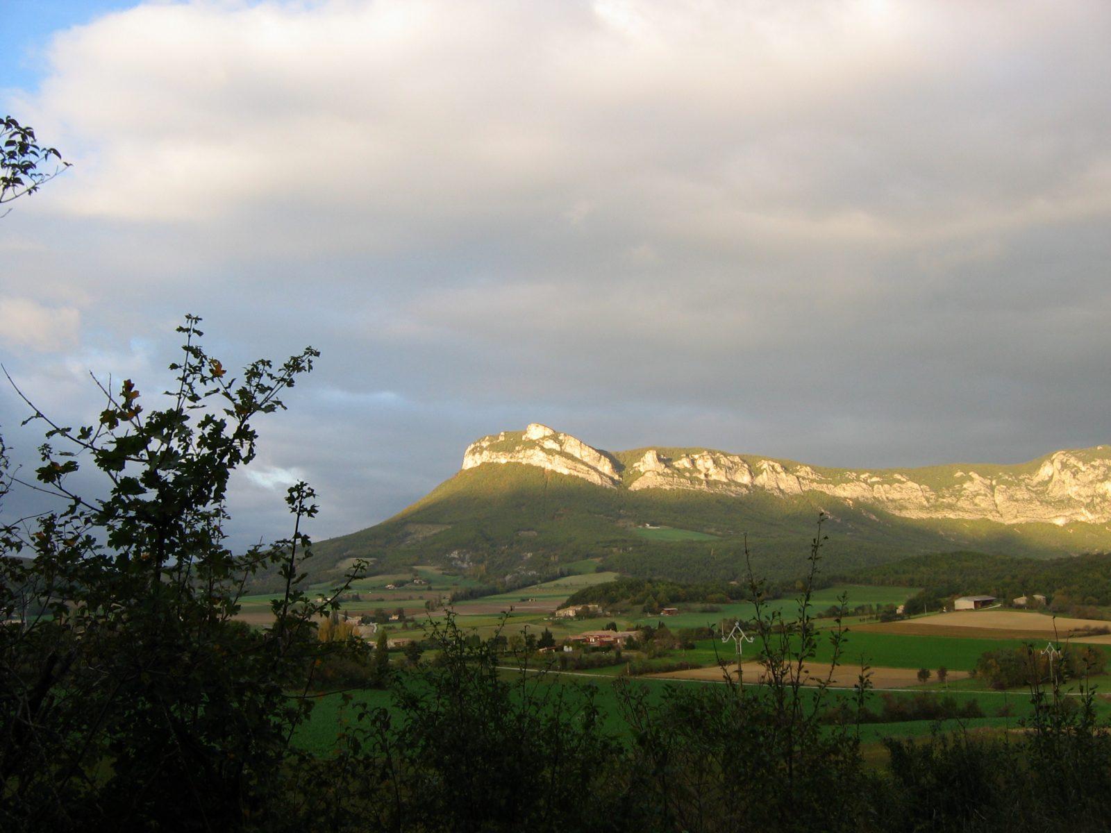 Vue depuis Quinson sur Rochecolombe