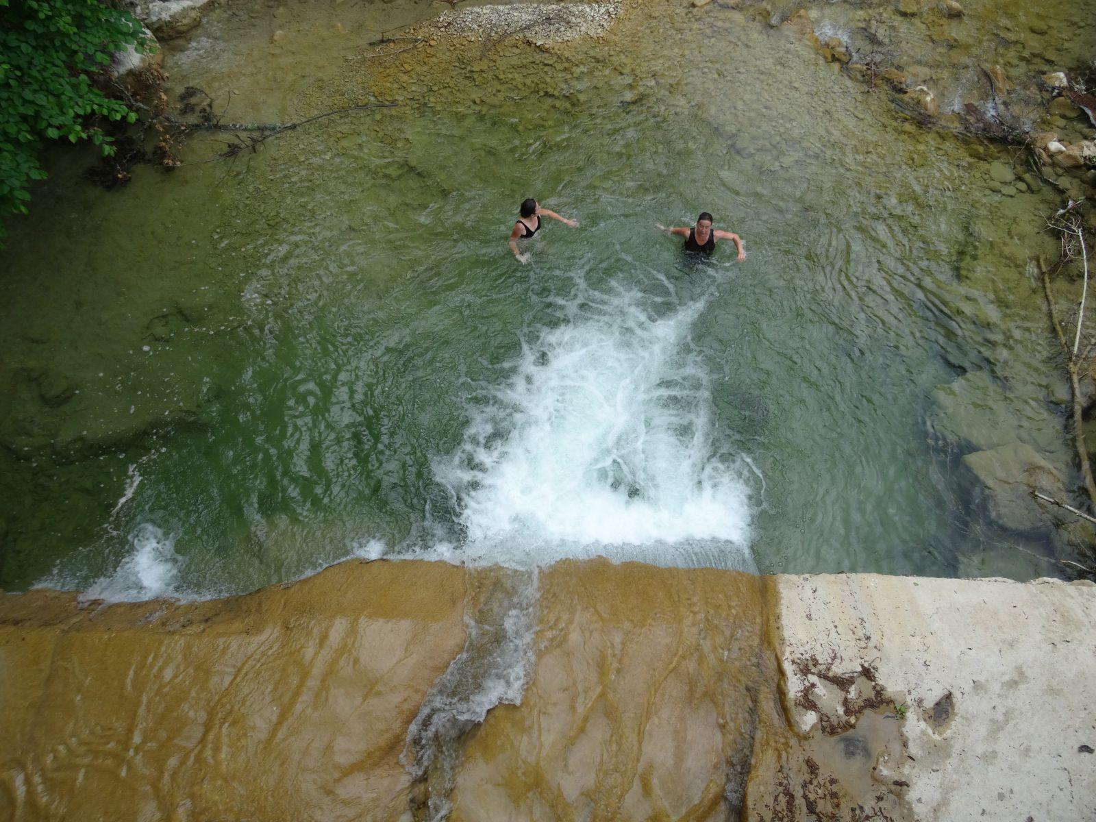 Baignade dans les troues d'eau de la Gervanne
